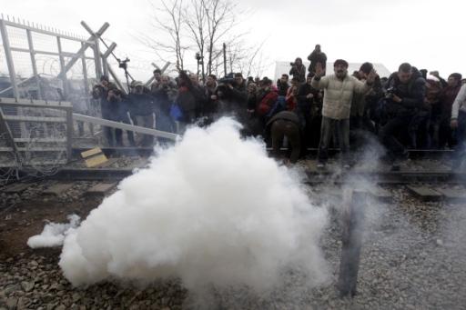 Idomeni-lacrimogeni-migranti