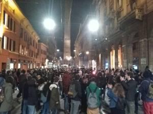 bologna-scontri-studenti-polizia